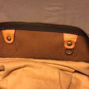 Louis Vuitton Bags - Louis Vuitton Speedy 40